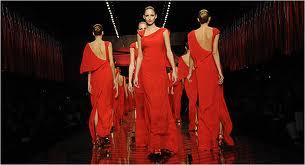 L'emiro del Qatar compra il marchio Valentino: business e fascino