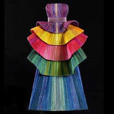 In mostra a Torino 50 abiti-scultura di Roberto Capucci