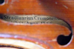 Cremona celebra Antonio Stradivari con musica, violini e proiezioni