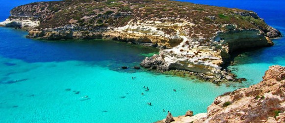 Renzi a Lampedusa: porta d'Europa, luogo di bellezza