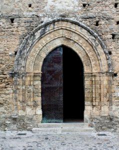 Chiesa di S. Francesco - Gerace - Portale d'ingresso
